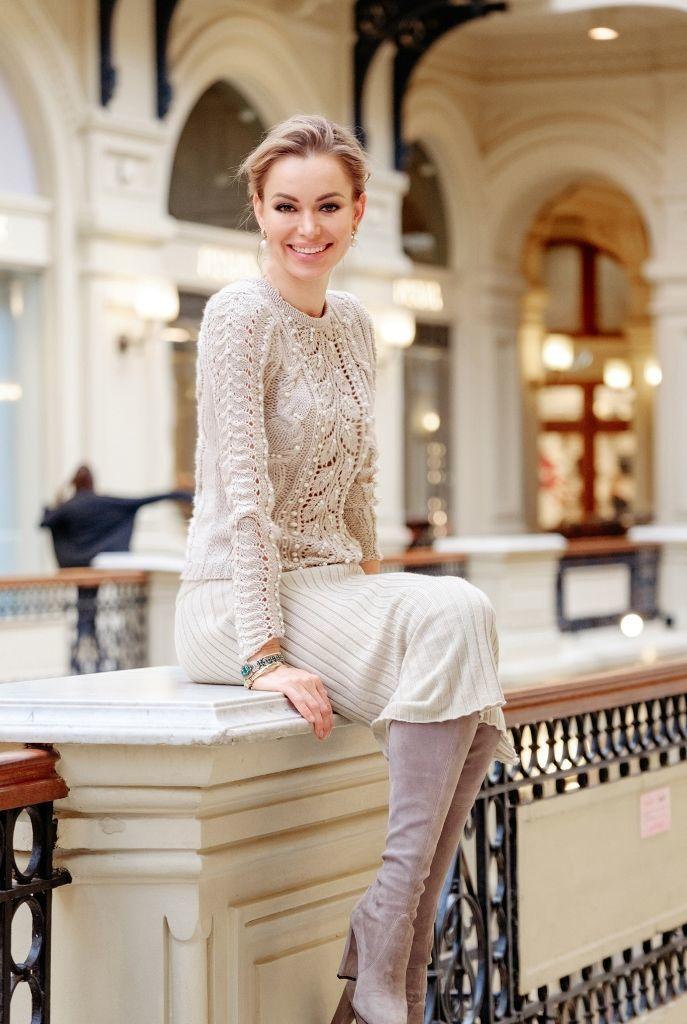Анастасия романцова дизайнер девушка ищет высокооплачиваемую работу фото